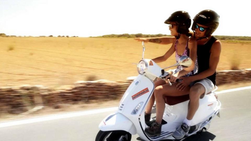 Ocio en Lanzarote visitando la isla en moto