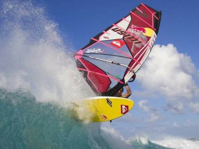 Acitvidades de windsurf en las playas de Lanzarote