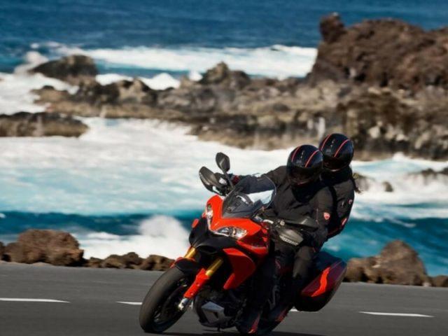 Alquila tu moto para descubrir los rincones de Lanzarote