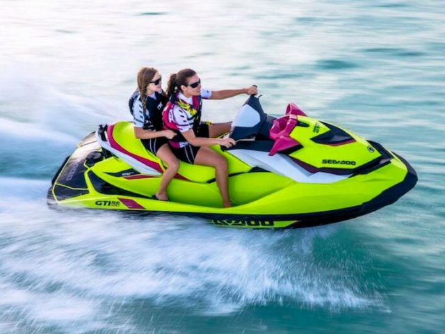 Ocio Lanzarote; motos náuticas