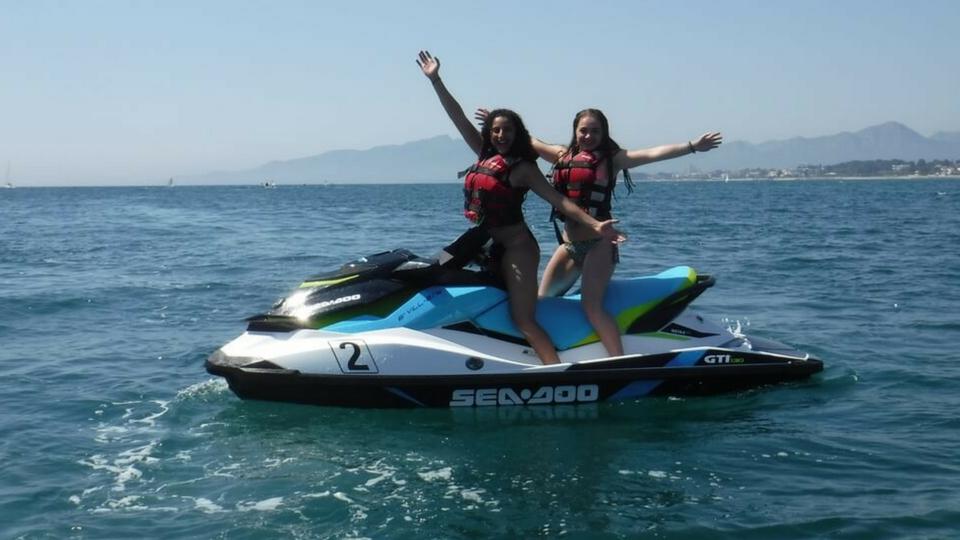 Diversión en Lanzarote alquilando motos acúaticas y haciendo safaris en motos de agua