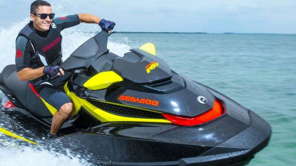 Diversión y actividades en Lanzarote, Motos de agua