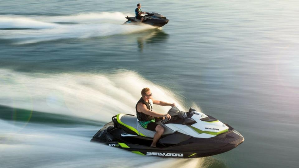 Motos acúaticas en Puerto calero