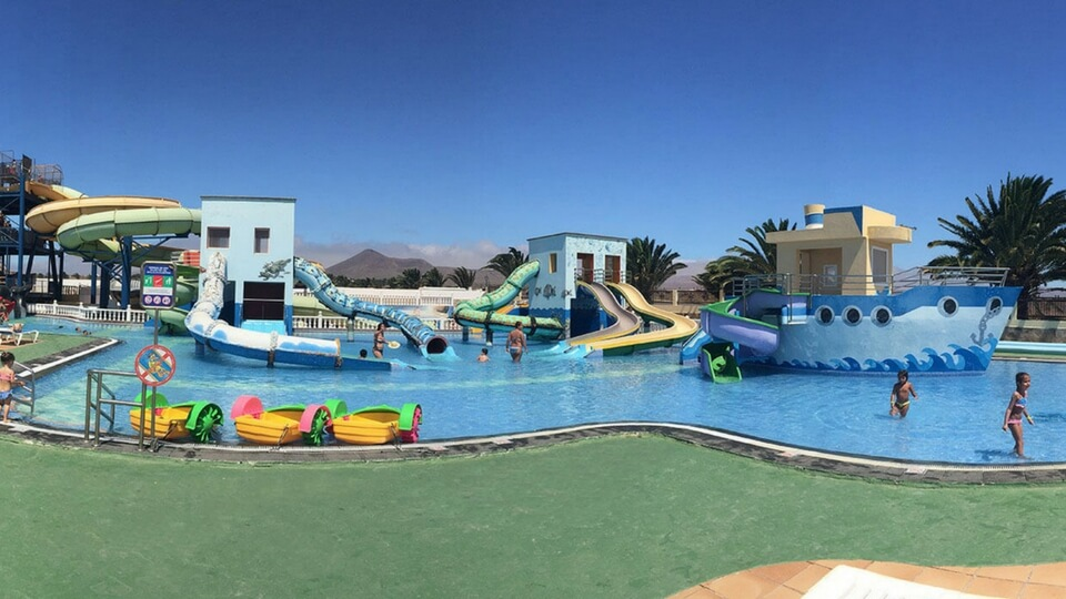 Ocio familiar en Lanzarote Aquapark Costa Teguise