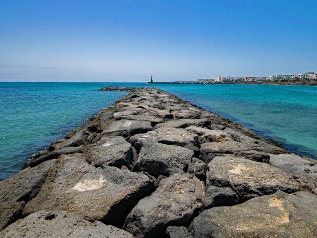 Playa de las cucharas en Costa Teguise Lanzarote