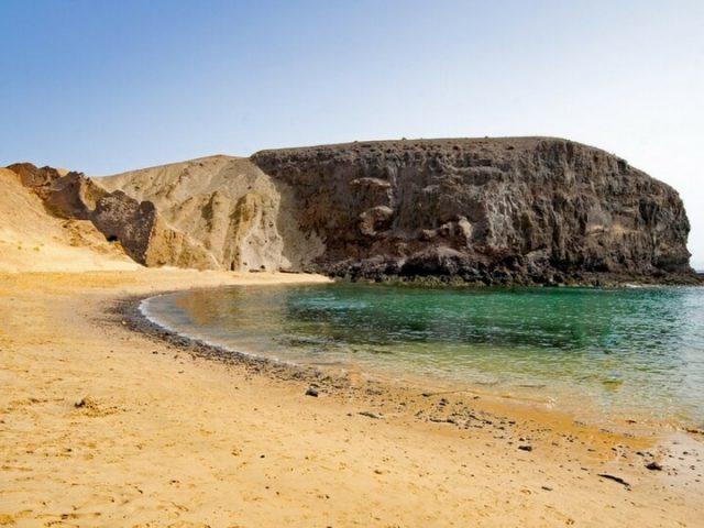 Playa de papagayo de agua crsitalina y recomendable baño
