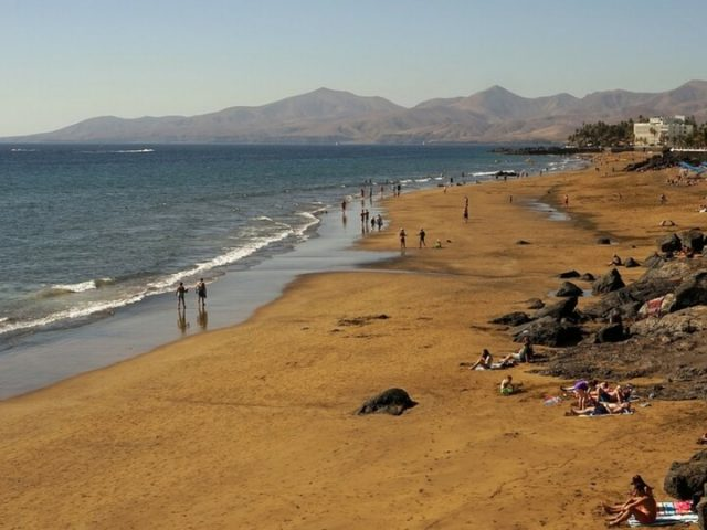 Playas de Puerto del Carmen Lanzarote. Playas y calas de Lanzarote