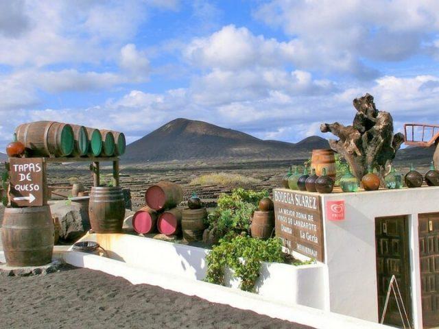 Venta de vino en La Geria Lanzarote