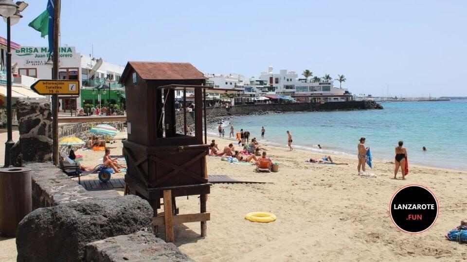 Playa Blanca, la playa del pueblo